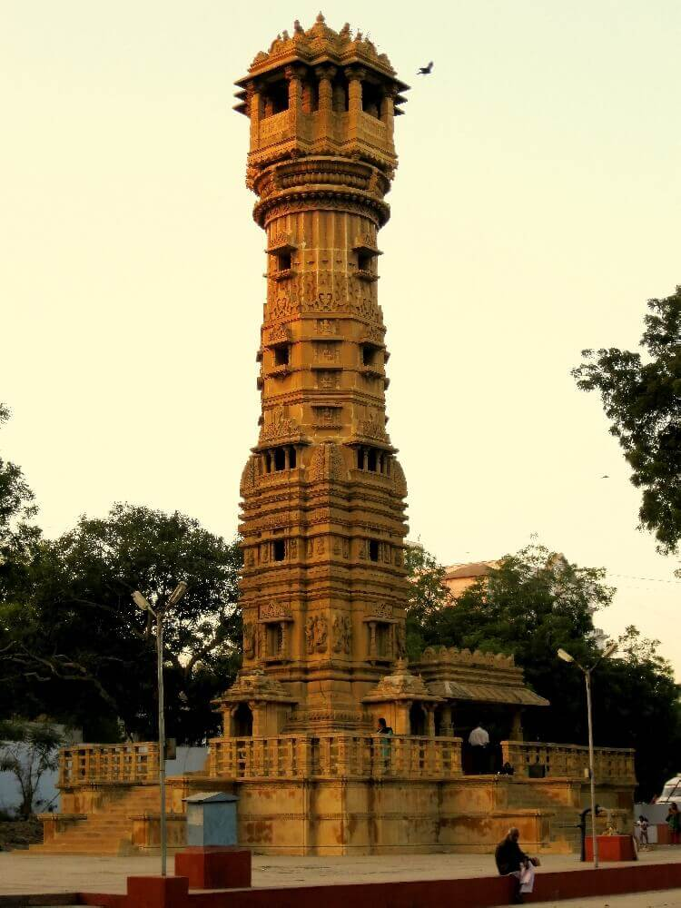 Hutheesing Temple to visit in Ahemadabad