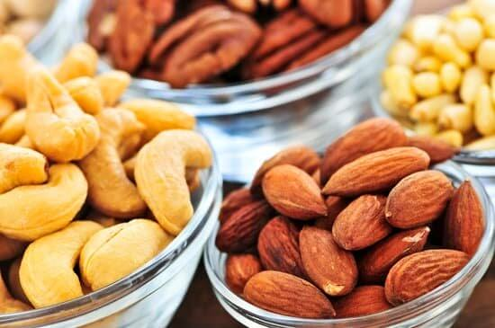 Nuts helps you to concentrate when studying