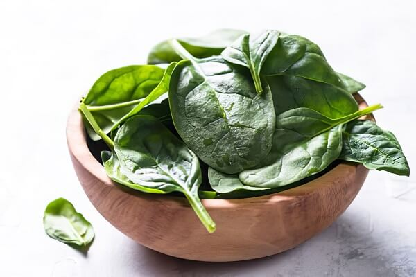 Spinach (Good for skin and helps to make your skin glow)