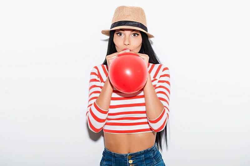 Blow Balloons to lose weight in face