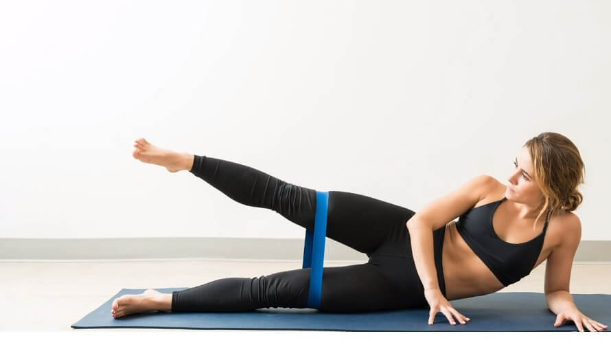 Side leg lift with band