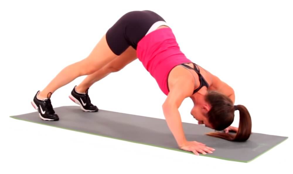 Pike push ups exercise to build shoulders muscle