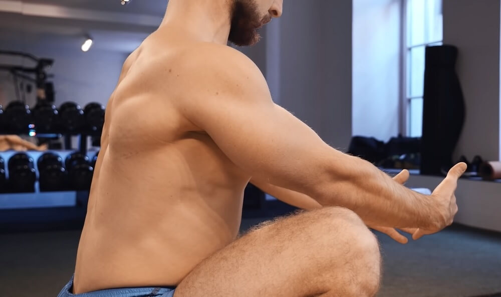 Back and head position to do a squat properly
