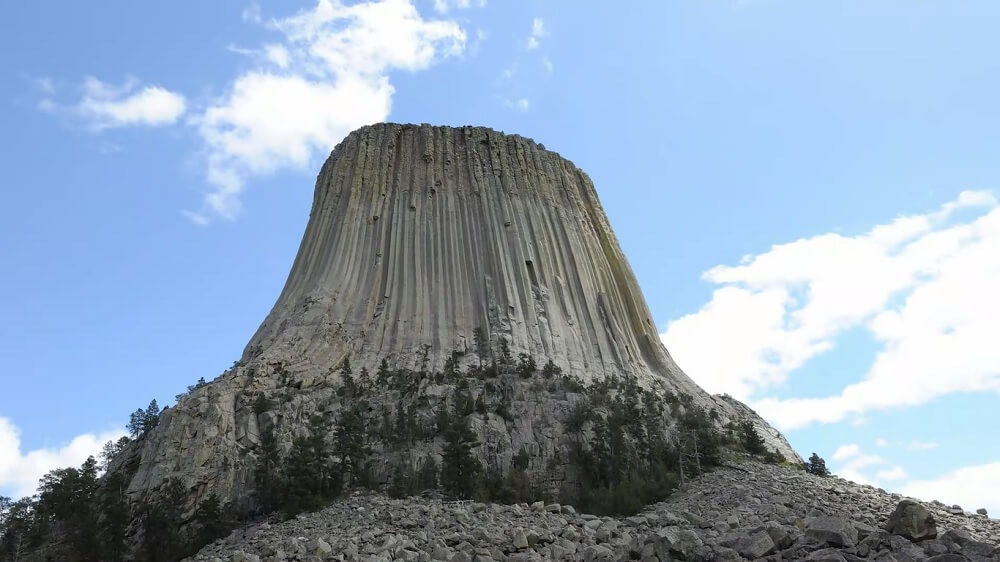 Devil's Tower (Wyoming) - one of the best rock climbing places in the USA