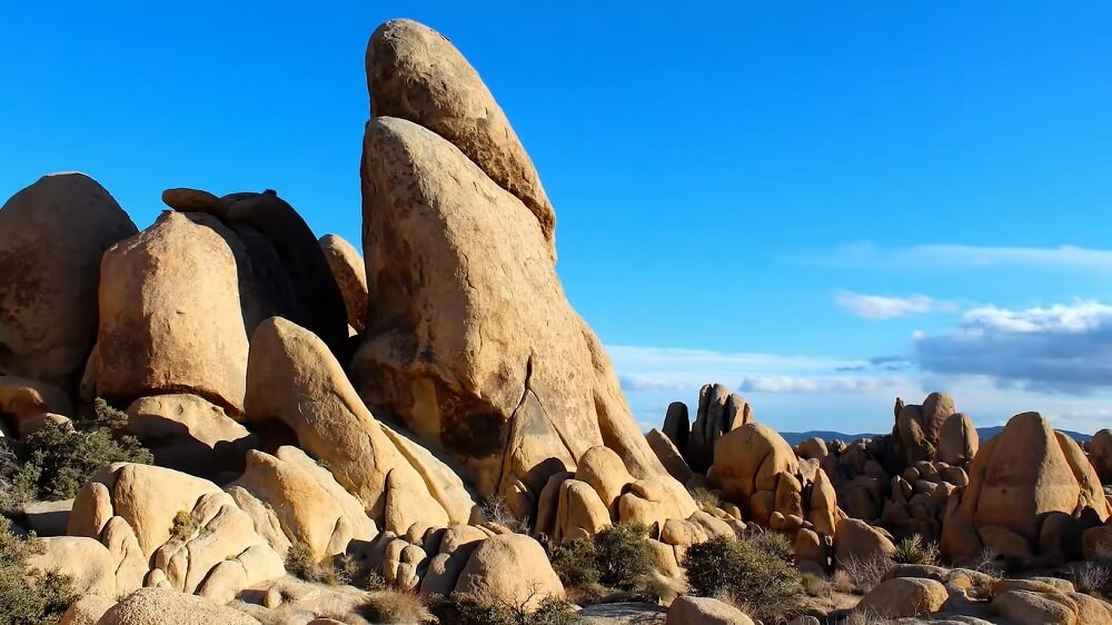 Joshua Tree National Park (California) - one of the best rock climbing places in the USA